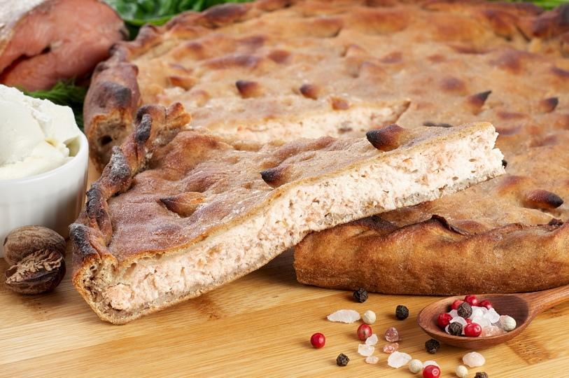 Пирог с сёмгой и творожным сыром