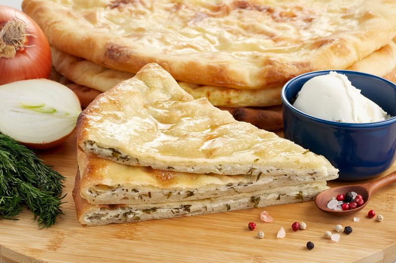 Осетинский пирог со шпинатом и сыром.